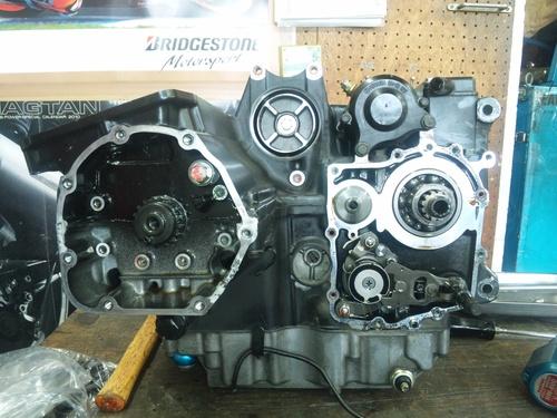 GPZ900R エンジンオーバーホルですなっ。その3_a0163159_21554341.jpg