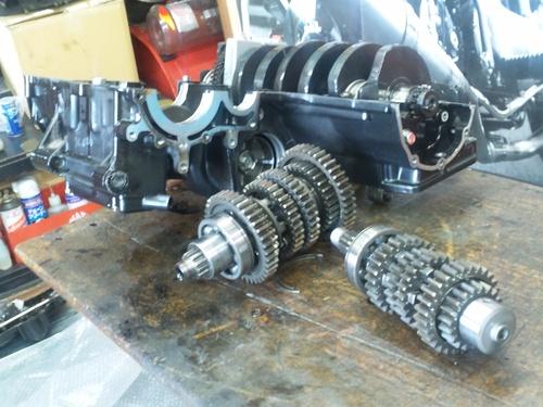 GPZ900R エンジンオーバーホルですなっ。その3_a0163159_21574638.jpg
