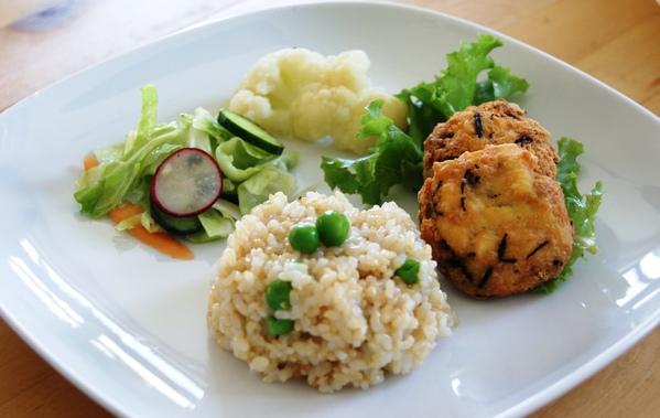 初夏の自家製野菜ランチ_c0125702_1965013.jpg