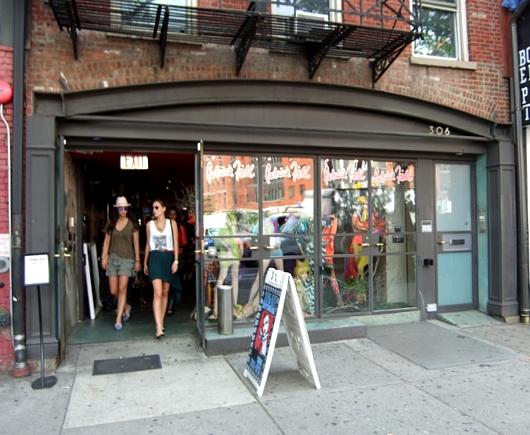 NYのストリートアート密集地、イースト・ビレッジ南端のお散歩風景_b0007805_0311367.jpg