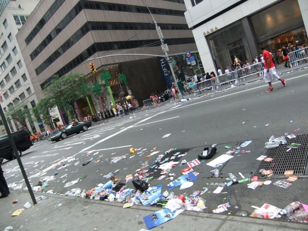 パレードの後_c0064534_132281.jpg
