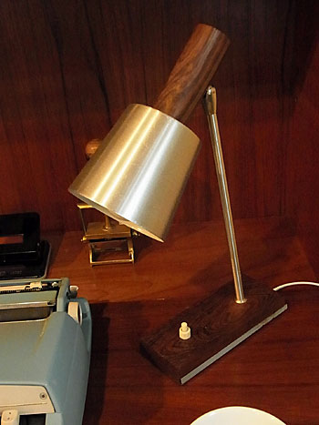 table lamp_c0139773_1747917.jpg