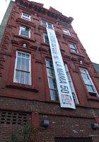 NYの古くから続く劇場街4th Street、別名「フォース・アート・ブロック」のストリート・アート_b0007805_23172755.jpg