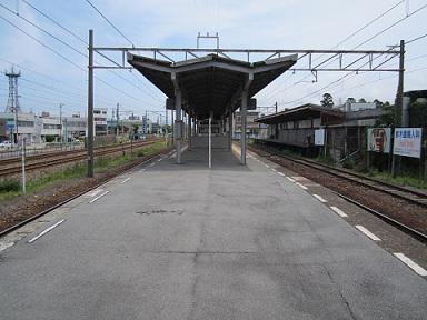 ほたるいかの街にある、中滑川駅_a0243562_1754912.jpg