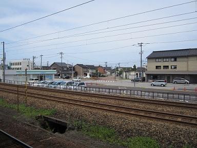 ほたるいかの街にある、中滑川駅_a0243562_177073.jpg