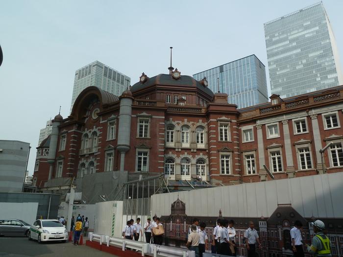 改装中の東京駅_b0093088_1184559.jpg