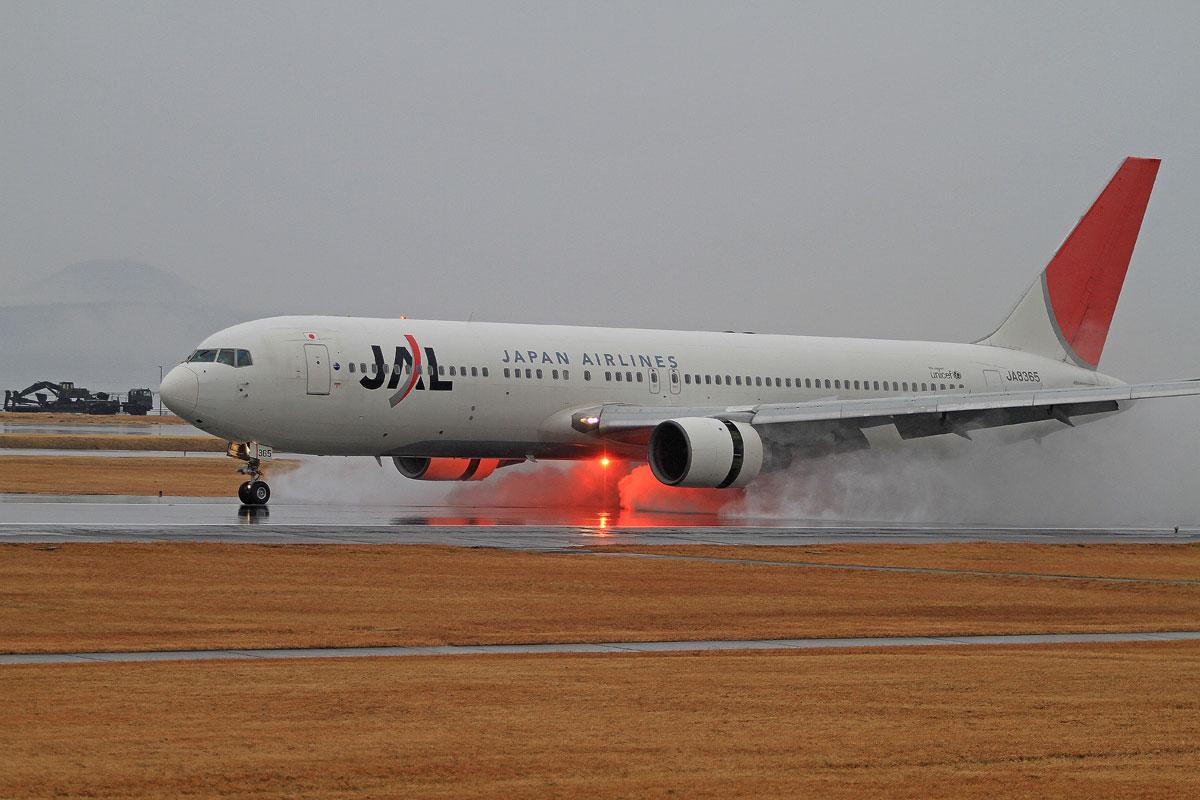 ジェット旅客機は。_b0044115_8214227.jpg