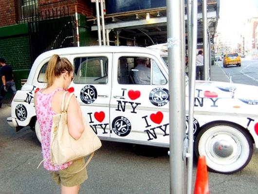 I♥NY精神あふれるニューヨークの香水屋さん、ボンド・ナンバー・ナイン Bond No.9_b0007805_7554439.jpg