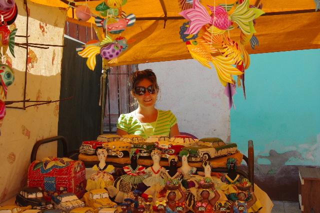 """キューバ (33) トリニダー旧市街の""""みやげ市場"""" その人々_c0011649_23364349.jpg"""