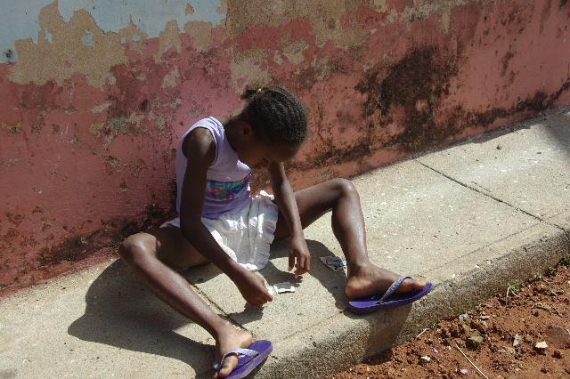 """キューバ (33) トリニダー旧市街の""""みやげ市場"""" その人々_c0011649_2340354.jpg"""