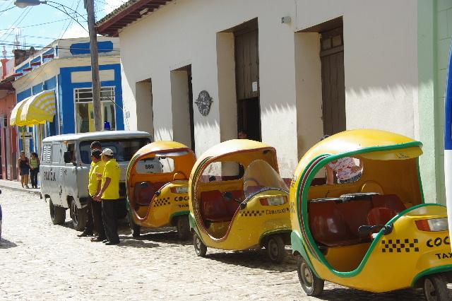 """キューバ (32) トリニダー旧市街の""""みやげ市場"""" その1_c0011649_717948.jpg"""