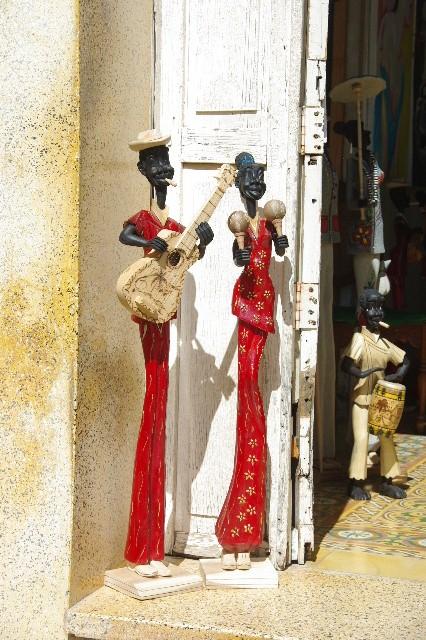 """キューバ (32) トリニダー旧市街の""""みやげ市場"""" その1_c0011649_7235727.jpg"""