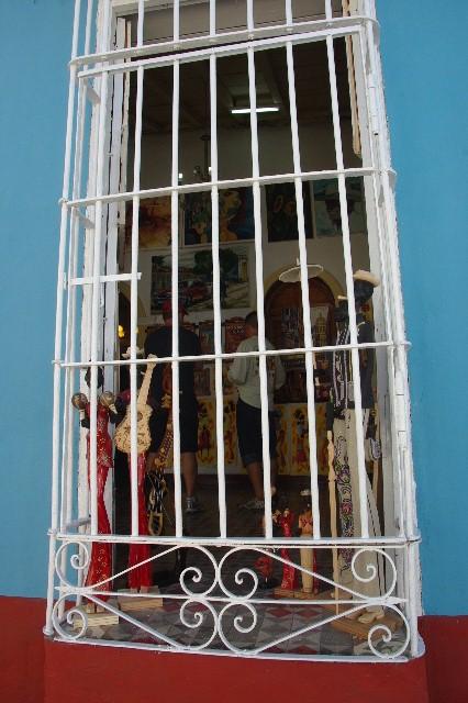 """キューバ (32) トリニダー旧市街の""""みやげ市場"""" その1_c0011649_7352698.jpg"""