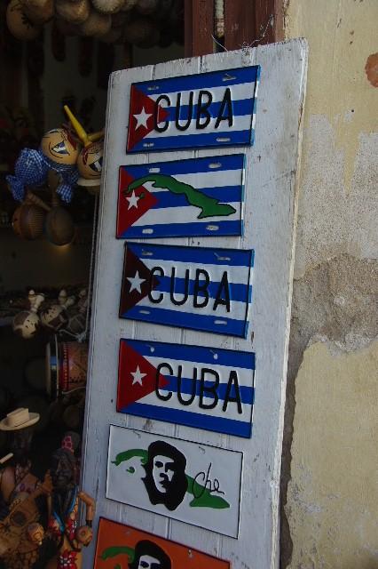 """キューバ (32) トリニダー旧市街の""""みやげ市場"""" その1_c0011649_7365757.jpg"""
