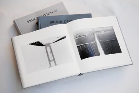 Bruce Davidson写真集「Outside Inside」収録のとっておきの一枚_a0138976_20242449.jpg