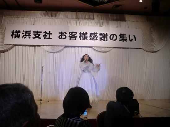 まねだ聖子ショーを見ました。_e0119092_9514754.jpg