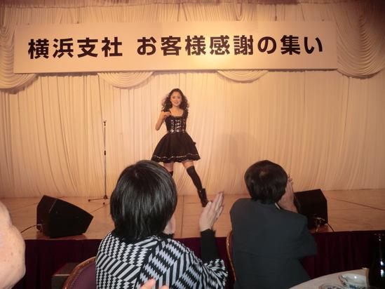 まねだ聖子ショーを見ました。_e0119092_954560.jpg