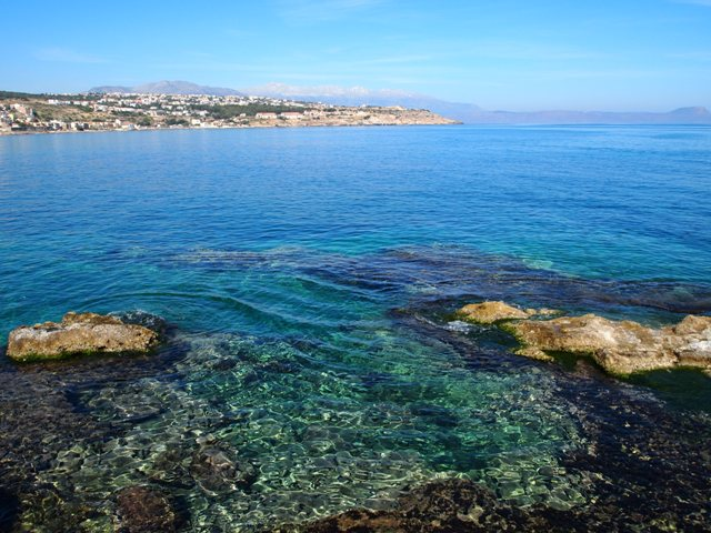 地中海のある場所で..._c0213220_6332878.jpg