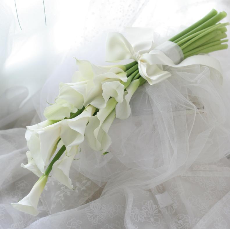 アームブーケ カラーの花を束ねて_a0042928_22551785.jpg