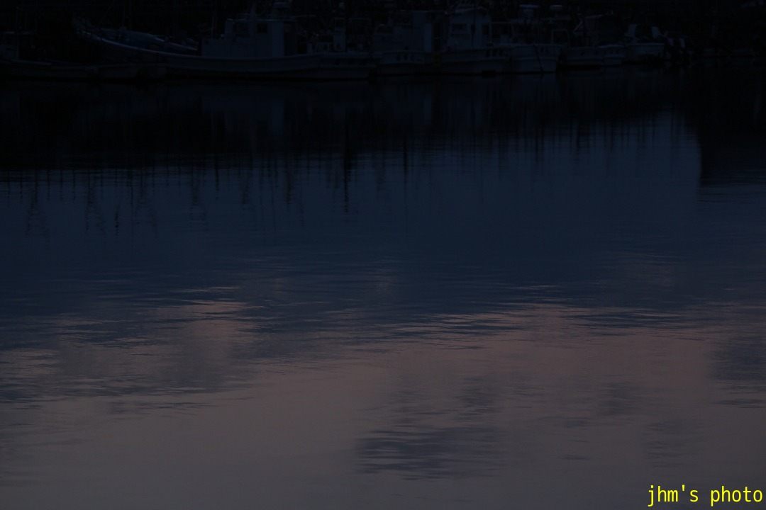 大町と弁天町の間、入舟漁港_a0158797_1344841.jpg