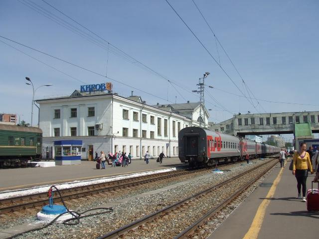【ロシア鉄道駅】キーロフ_f0169061_2358196.jpg