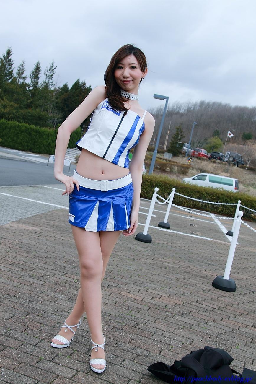 秋山奈津美 さん(タイYAMAHAチーム レースクイーン)_c0215885_22133863.jpg