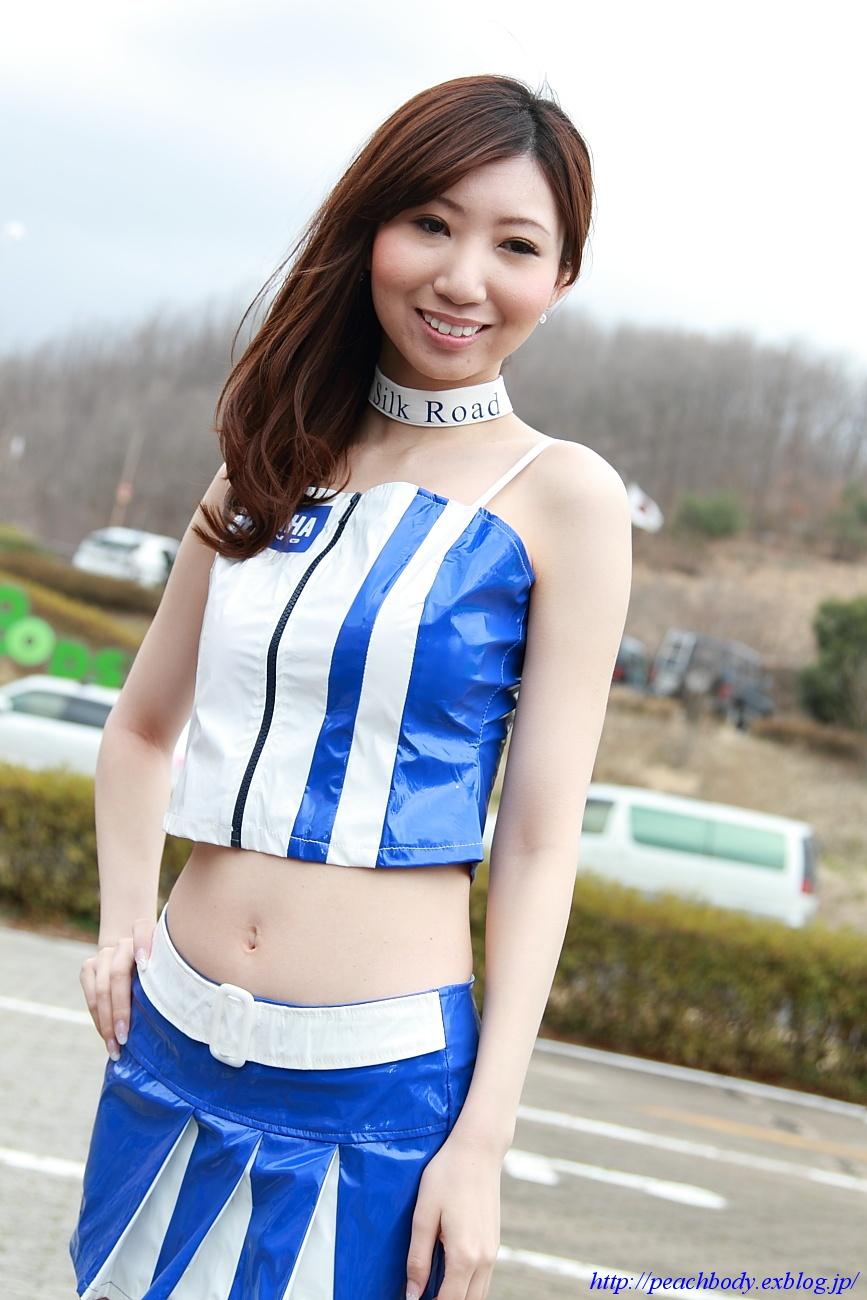 秋山奈津美 さん(タイYAMAHAチーム レースクイーン)_c0215885_2214610.jpg