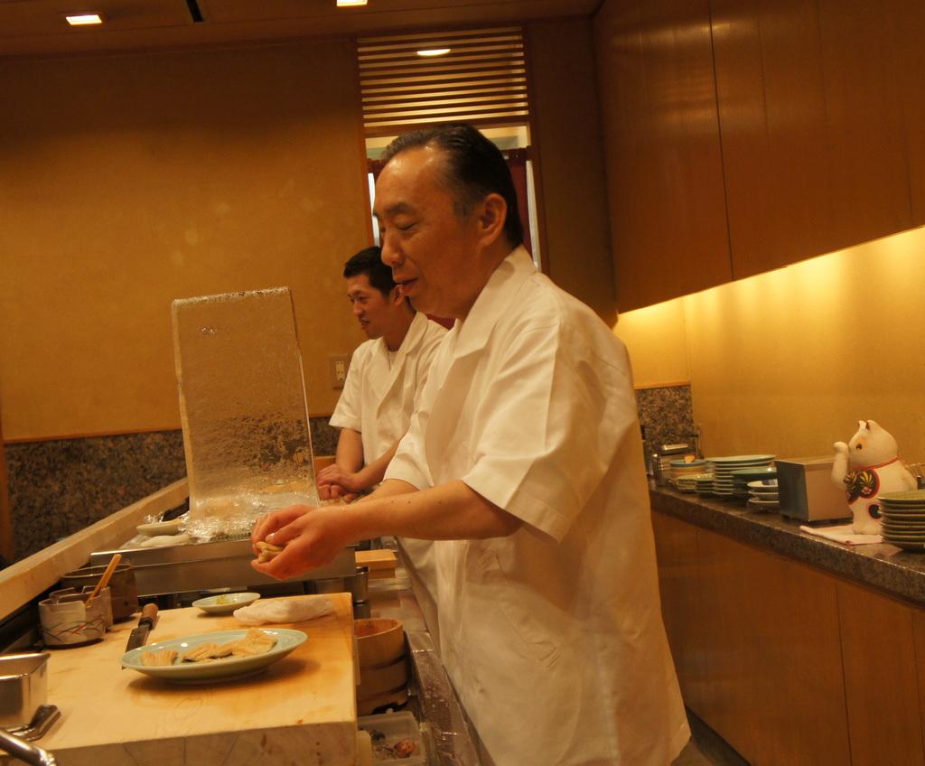 JapanDiary@BerlinVol.11 ノブ君と日本で初めてのお寿司!_c0180686_19434851.jpg