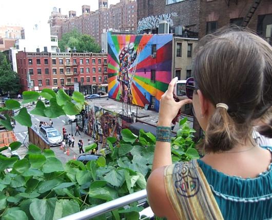 周辺にストリート・アート増加中のニューヨークの空中公園ハイライン_b0007805_20102579.jpg