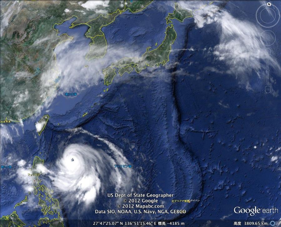 台風4号「Guchol」接近中!:なぜか私の名前「Iguchi」に似ていますナ!?_e0171614_23411938.jpg