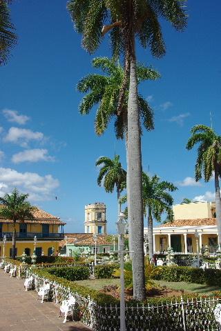 キューバ (35) トリニダー旧市街のマヨール広場_c0011649_3571958.jpg