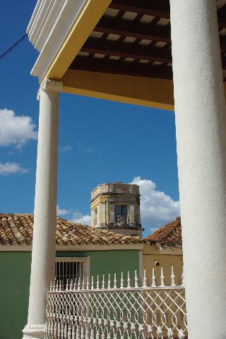 キューバ (35) トリニダー旧市街のマヨール広場_c0011649_444062.jpg