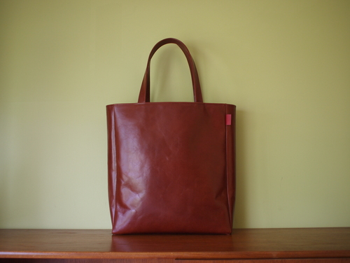 leather tote _e0243765_0524676.jpg