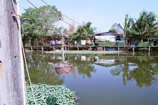 バンコク運河散歩(8)_b0131470_9414160.jpg