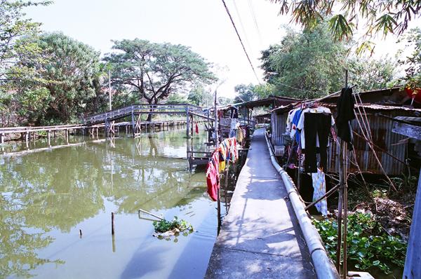 バンコク運河散歩(8)_b0131470_9423357.jpg