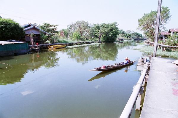 バンコク運河散歩(8)_b0131470_94301.jpg