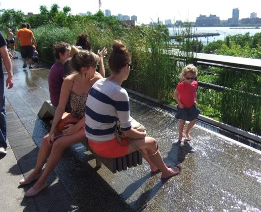 初夏を迎えたニューヨークの空中公園ハイライン風景_b0007805_1250034.jpg