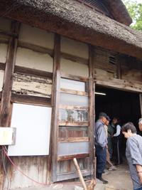 伝統ある武田家の修復作業その1(6月16日)_d0206420_18341973.jpg