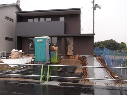 『横塚の家』 雨の現場_e0197748_20255365.jpg