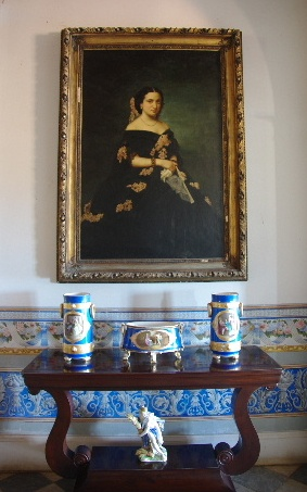 キューバ (37) トリニダー旧市街のロマンティコ博物館の調度品 _c0011649_13272752.jpg
