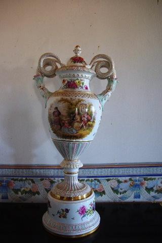 キューバ (37) トリニダー旧市街のロマンティコ博物館の調度品 _c0011649_13302819.jpg