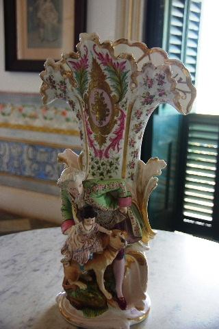 キューバ (37) トリニダー旧市街のロマンティコ博物館の調度品 _c0011649_13304378.jpg