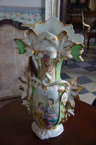 キューバ (37) トリニダー旧市街のロマンティコ博物館の調度品 _c0011649_1331722.jpg