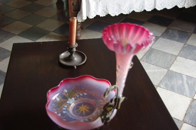キューバ (37) トリニダー旧市街のロマンティコ博物館の調度品 _c0011649_13361321.jpg