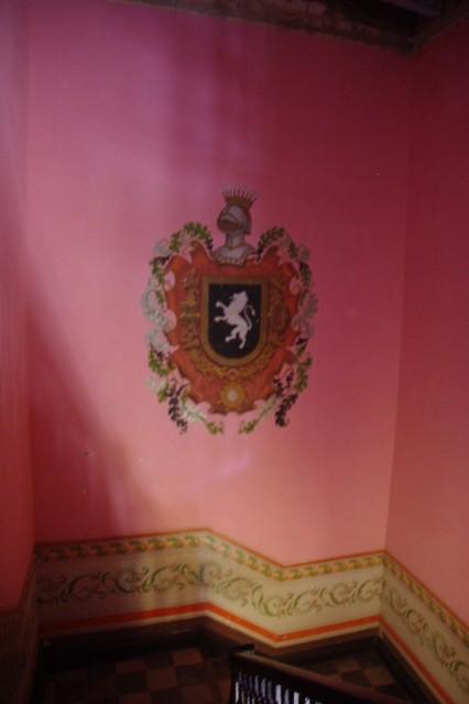 キューバ (37) トリニダー旧市街のロマンティコ博物館の調度品 _c0011649_13403661.jpg