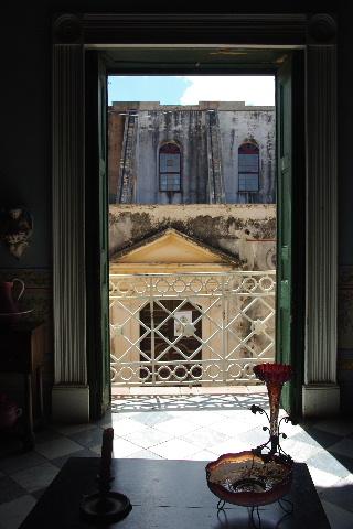 キューバ (36) トリニダー旧市街のロマンティコ博物館 _c0011649_6112528.jpg