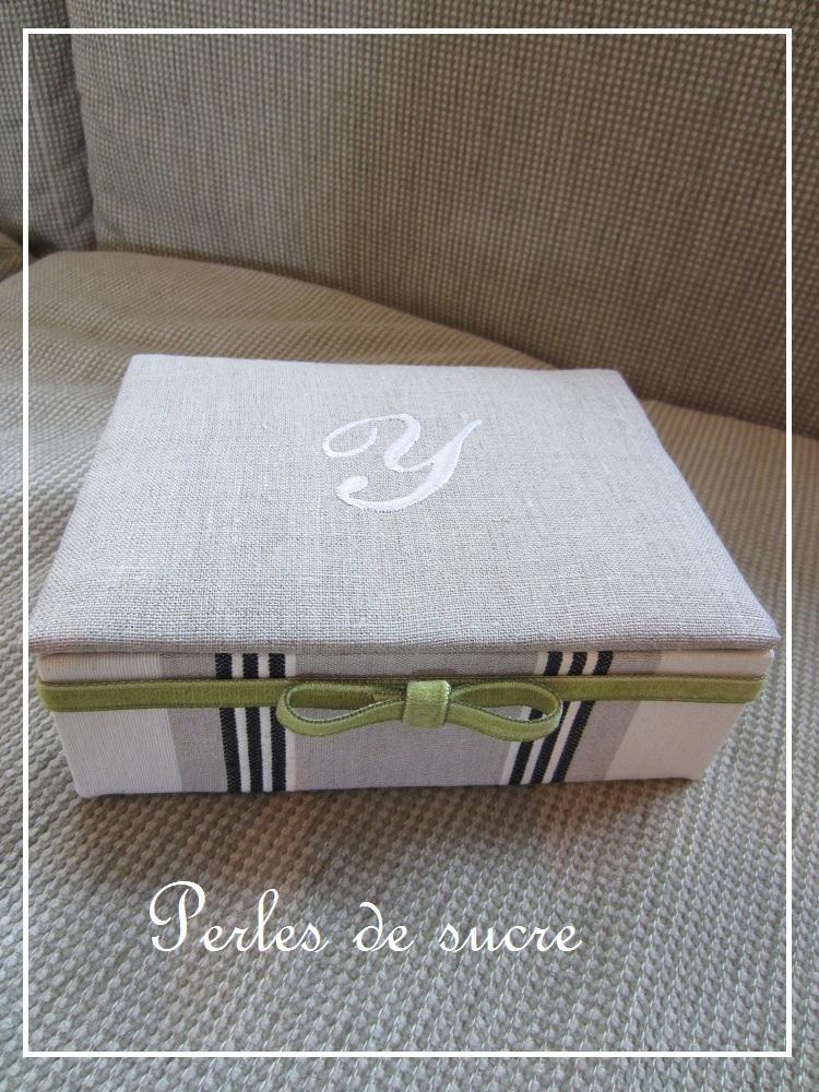 ダストボックス シャポースタイルの箱 バッグ型の箱_f0199750_18124753.jpg