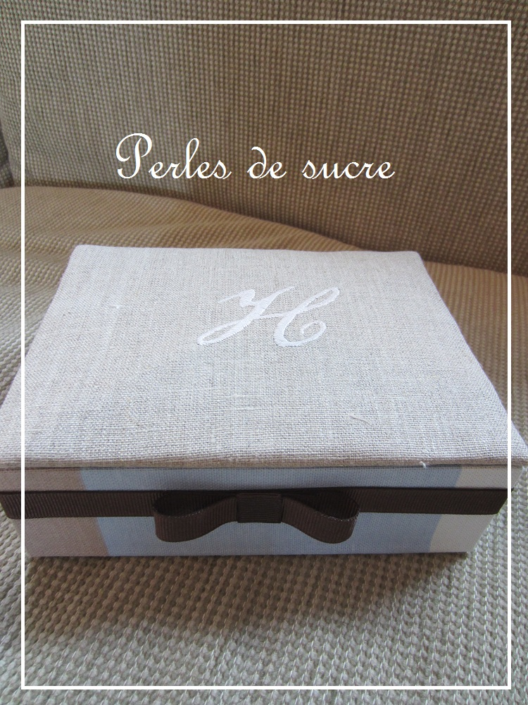 ダストボックス シャポースタイルの箱 バッグ型の箱_f0199750_18132711.jpg
