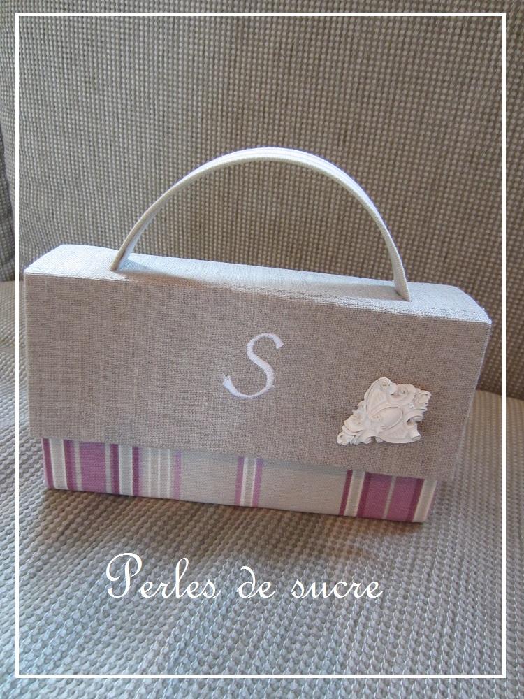 ダストボックス シャポースタイルの箱 バッグ型の箱_f0199750_18141822.jpg