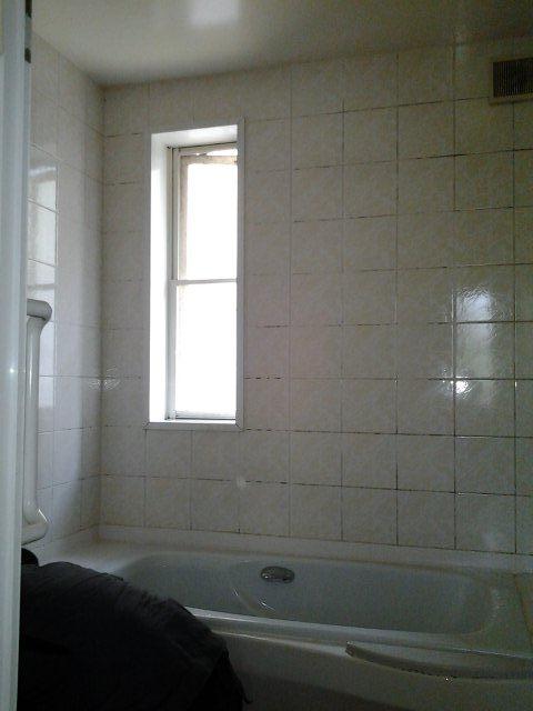 浴室リフォーム3日目(東京都町田市)_e0207151_2165765.jpg